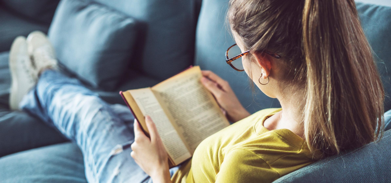 Woman Reading 1